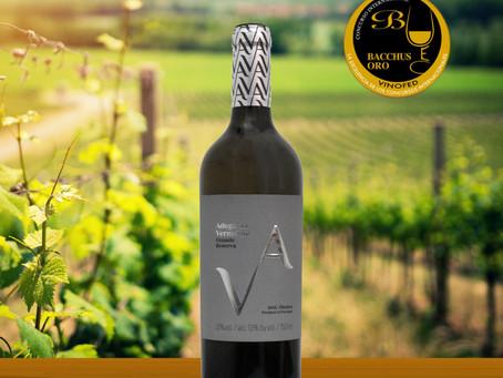 Vinho Adega da Vermelha Grande Reserva Branco premiado no Concurso Internacional Bacchus 2021