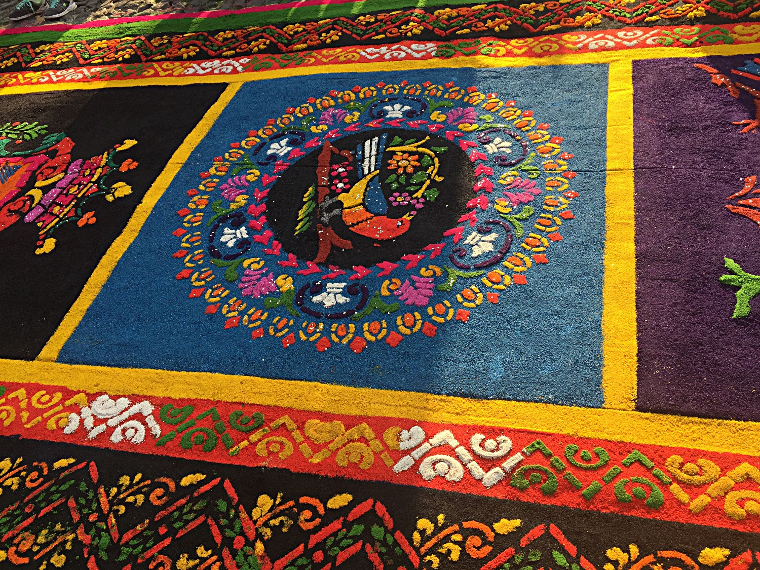 Highly detailed alfombra