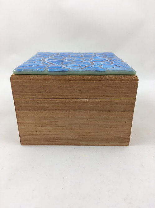 """Batiked""Glass topped wooden box"