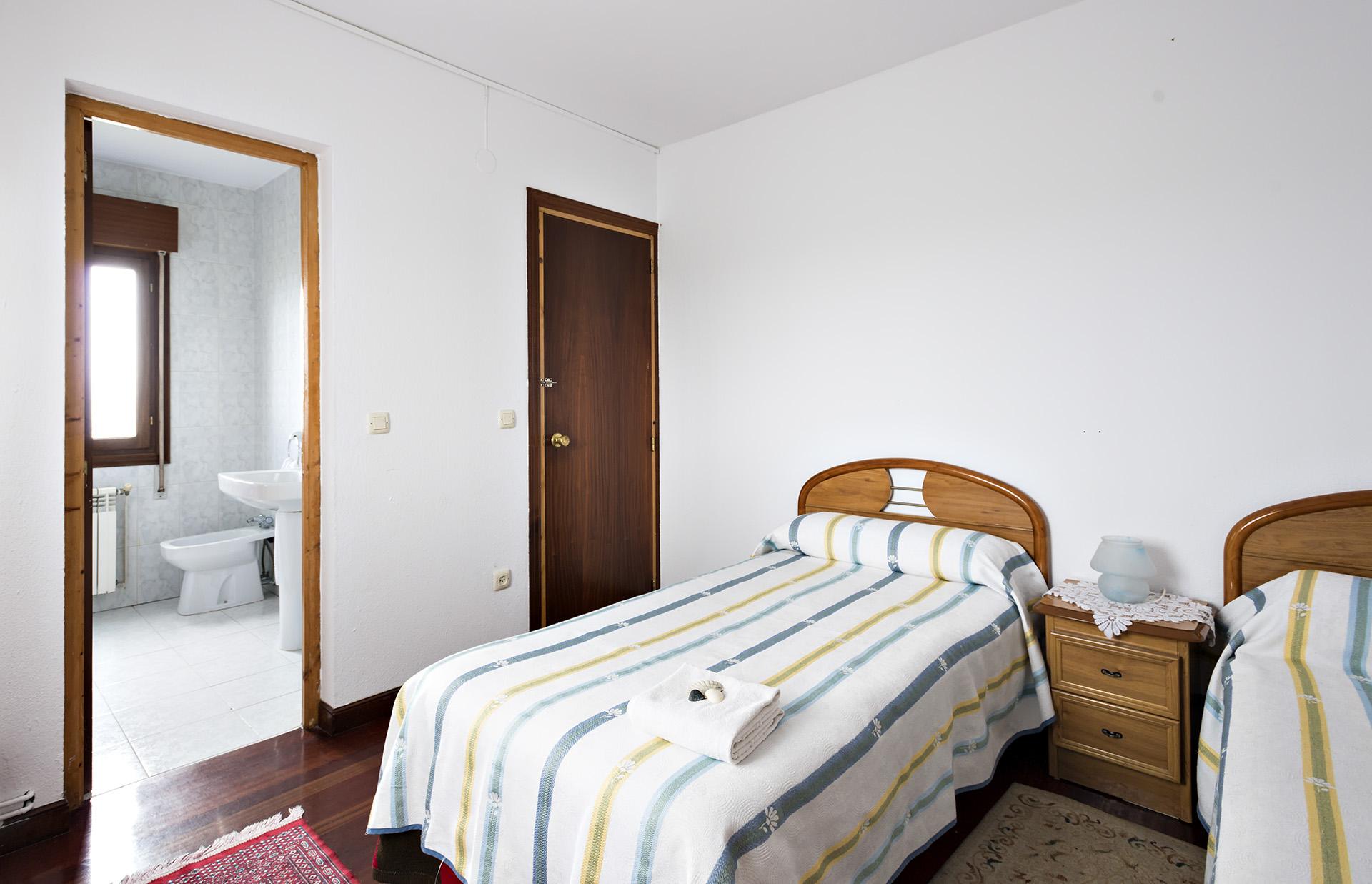 Surfhouse somo and loredo rooms