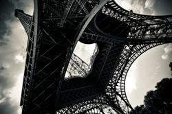 Paris _ Tour D'Effiel below