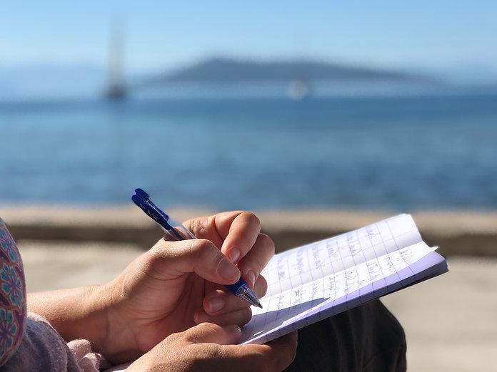 main ecrire mer.jpg