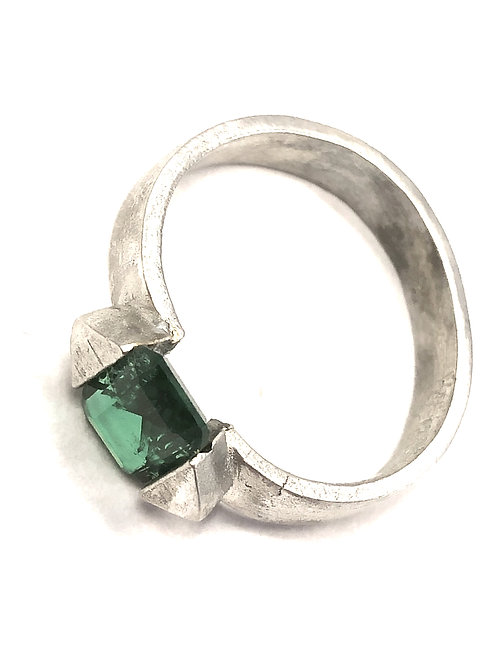 Man-made Emerald Tension Ring