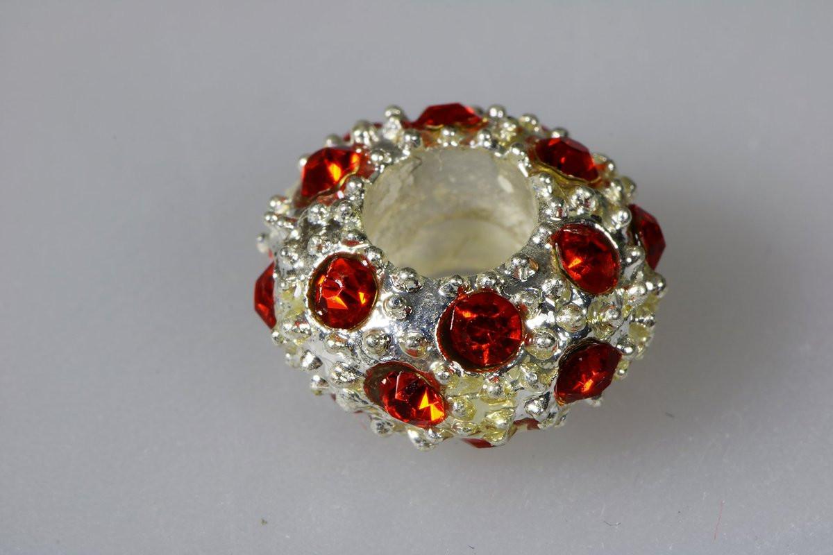 jewel with stones
