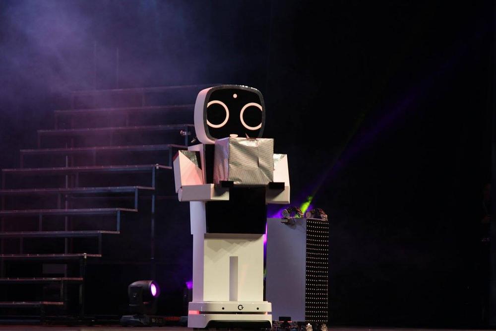 life-size-version-wonder-boy-robot-2