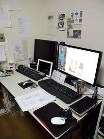 外注パターンメーカーとして弊社は東レ社製CAD 「クレア・コンポver2.2」、 「人人人(ひとと)」を導入しております。