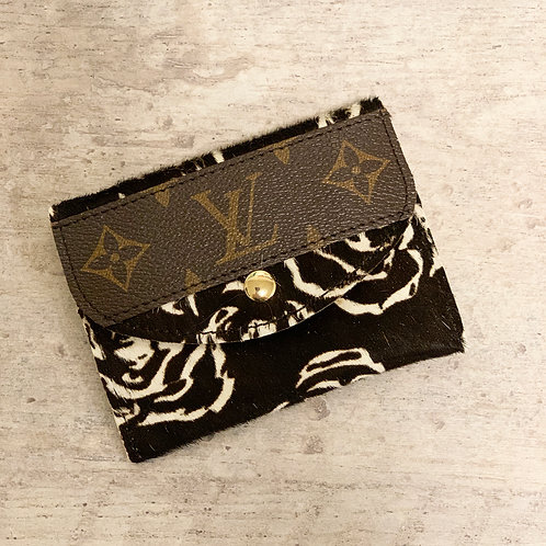 Custom Louis Vitton Bitty Wallet