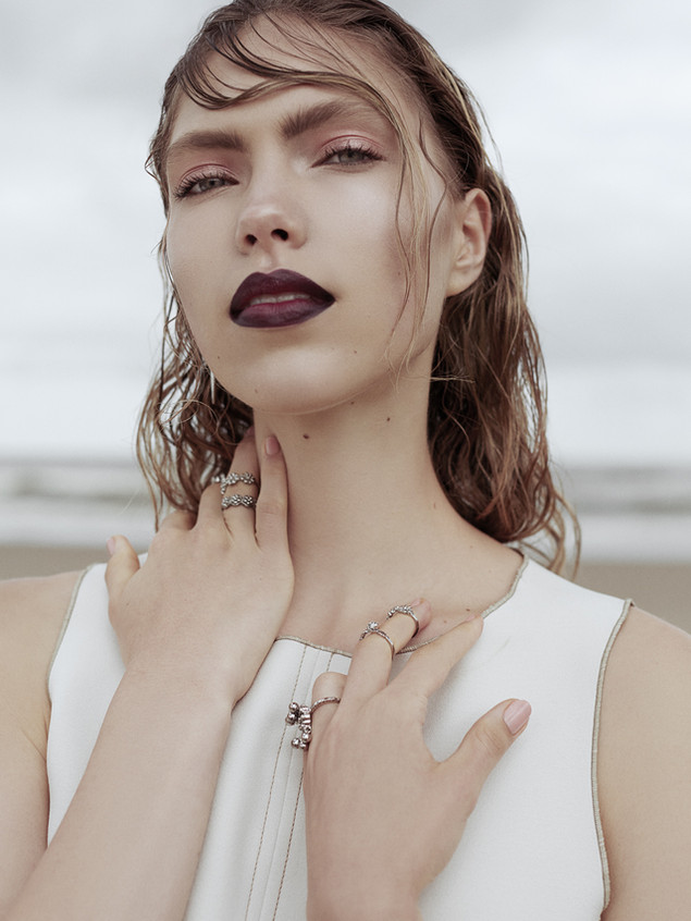 Editorial 'Cold Sand'
