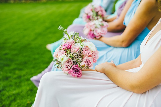 Bridesmaids waiting for the wedding planner and their limbered