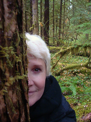 leslie in forest_4.jpg