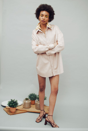 Shirt: Luisa Cerano  Coat: Jakke  Shoes: Proenza Schouler Earings: Pandora Necklace: Uno de Cincuenta