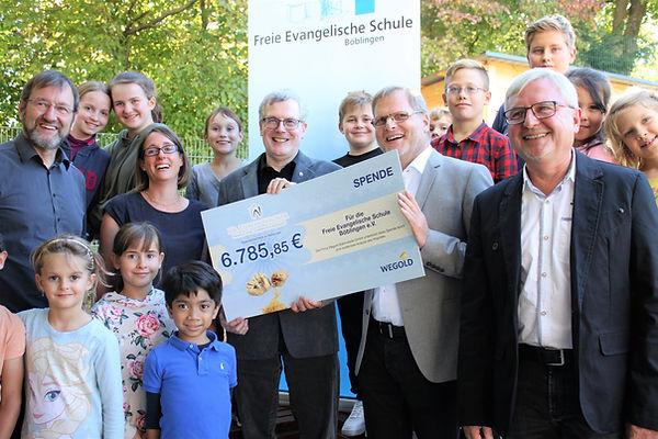 Dr. Tilman Wagner Zahnarzt Praxis für Zahngsundhei Böblinge Spende Soziales Engagement Kinder Freie Evangelische Schule