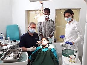 Dr Wagner Praxis für Zahnerhaltung Böblingen Hilfseinsatz Zahnarzt Indien Nethanja Spende