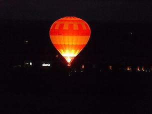 Vol_de_nuit_en_montgolfière.jpg