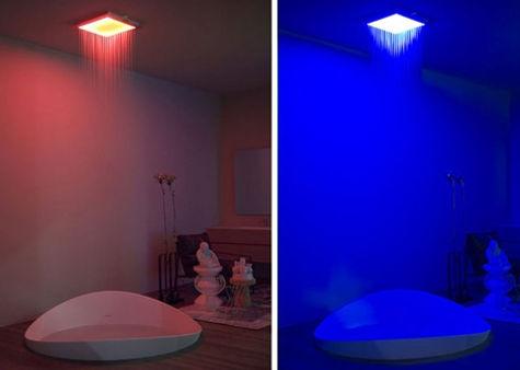 душевая комната с подсветкой