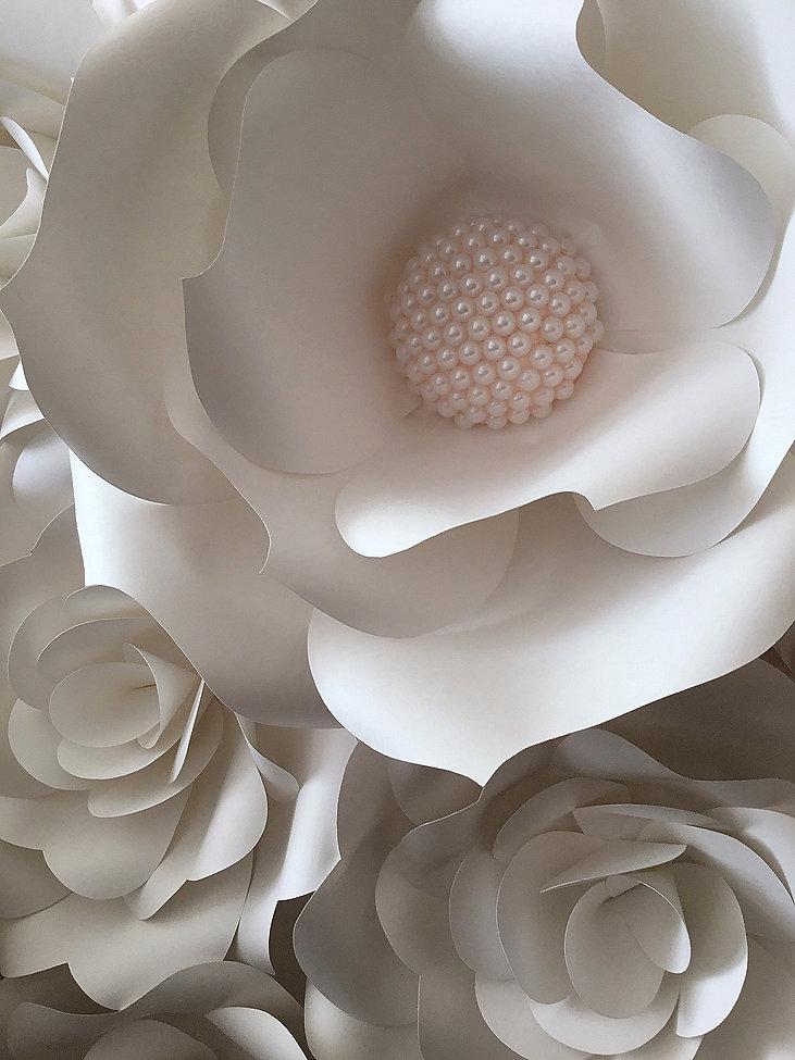 Декорирование на Петроградке от In Interior Studio, бумажные цветы