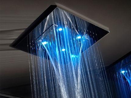 контрастный тропический душ