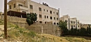 ارض للبيع في منطقة كرسي - تبعد 915م عن اسواق السلام