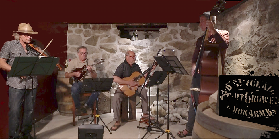 Live Music - The Chorogues