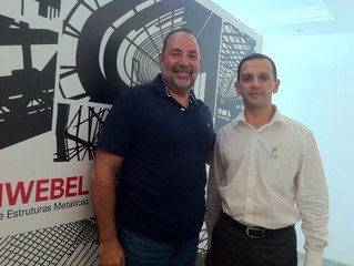 O Sr. Carlos Ortiz visitou as novas instalações da FRANÇA & SCHWEBEL
