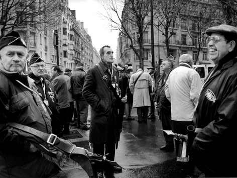 02-Demonstration veteran_Paris-nov-02.jp