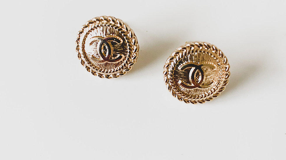 Cute Like A Button CC Earrings