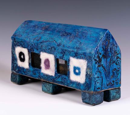 Long House (blue) 7x12x4