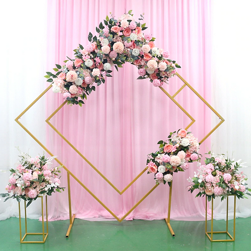 Geometrical shape stand / wedding backdrop