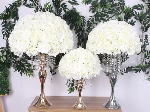 Silk floral artificial centerpieces / White flowerball
