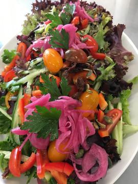 Frisk salat til hovedretsbuffetten
