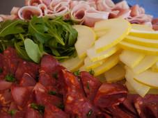 Tapasfad med chorizo, serrano & melon