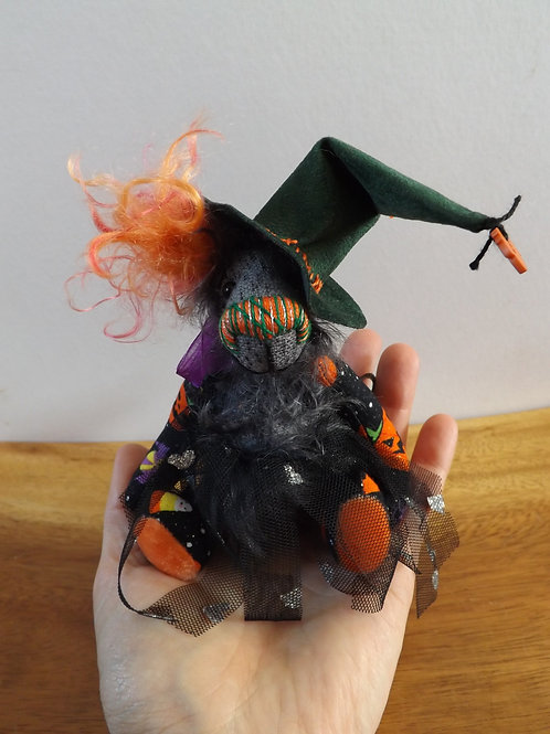 Mini Witch 'Meg'