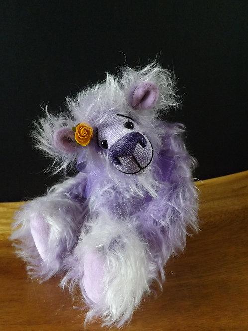 Laid Back Bear 'Violetwinkle'