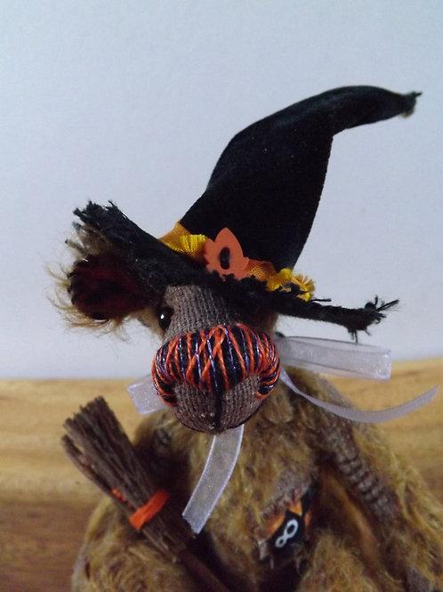 'Gwendolyn' Mini Witch
