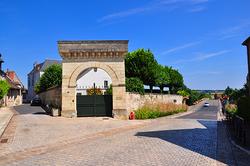 porte entrée de la ville