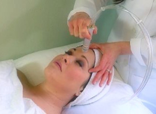 5 Differences between Crystal & Diamond Microdermabrasion