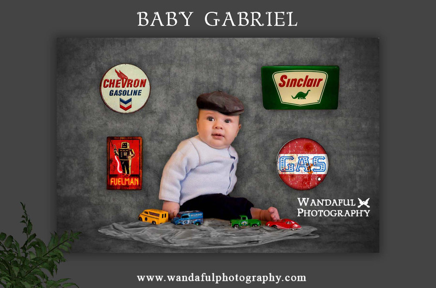 0 Gabriel with cars sign by Wp.jpg