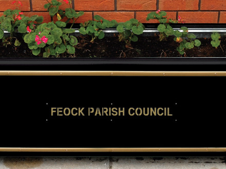 New flower planters for Forth Coth, Carnon Downs