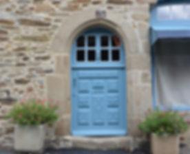 door-entry-2849416_1920.jpg