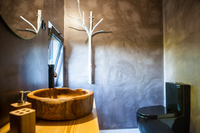 Pomar Bathroom