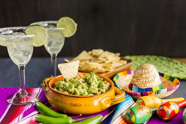 Mexican_Food_Margaritas_and_Guacamole_wi