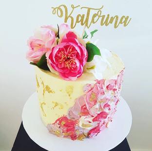 Flower Buttercream  Drip Cake
