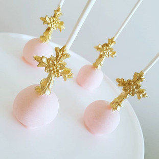 Cross  Cakepops