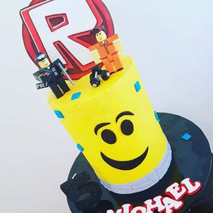 Rpblox Buttercream  Drip Cake