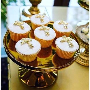 Cross Fondant  Cupcakes
