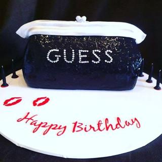 Guess Clutch Cake