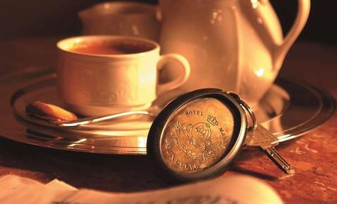 breakfast-at-manos-stephanie_modifié.jpg