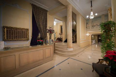lobby-at-manos-stephanie (2).jpg