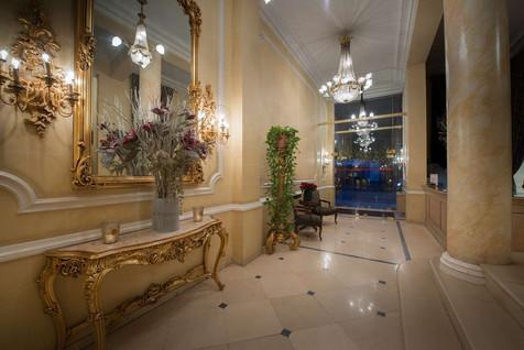 lobby-at-manos-stephanie.jpg