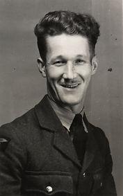 Sid Gradidge 4 (RAF uniform).jpg